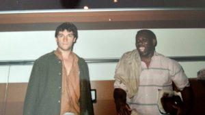 Con Bobby Louis en Madrid, al regresar del Campus de Astilleros (Cantabria) en 1988.